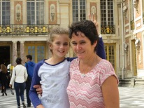 Eleanor & Pippa Outside Versailles